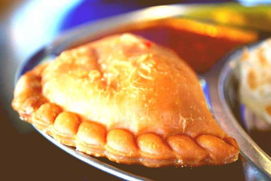 Malaysian Karipap Ayam – Delicious Anytime Snack Chicken Curry Puff
