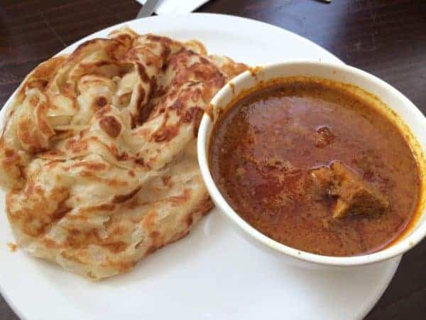 Roti Canai is such a delight to many Malaysians. It is very much loved by Malaysians from all walks of life. Dipped in dhal curry or fish gravy this flat bread is a culinary delight.